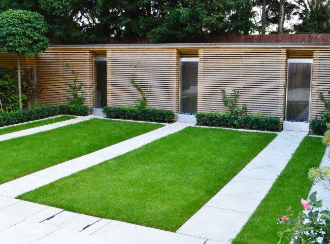 Modern Garden with Stainless Steel Water Features