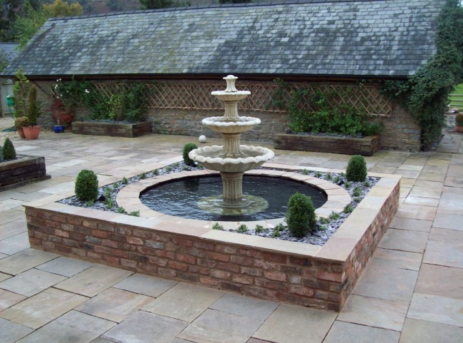 Traditional Water Feature with Fountian