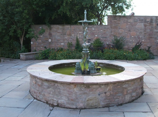 Traditional Circular Water Feature with Fountain
