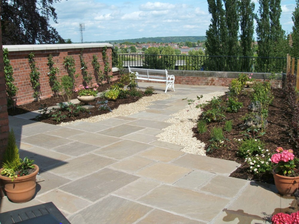 Town gardens and courtyard gardens for Natural terrace