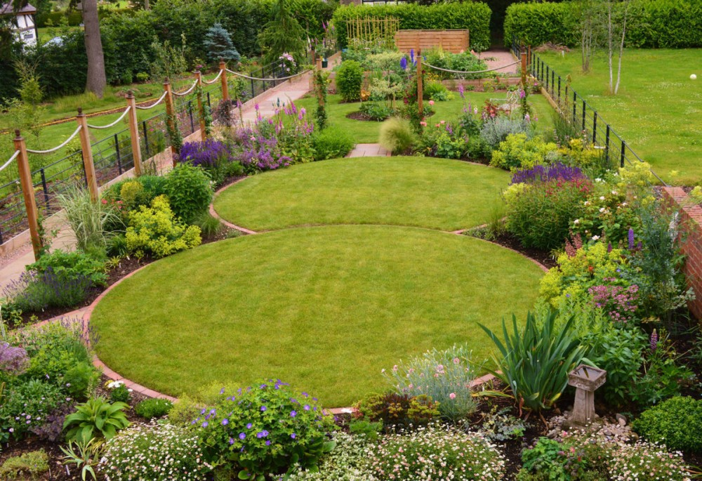 Large gardens for Circular garden designs